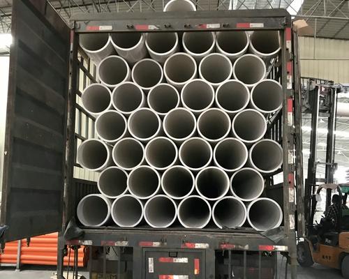 PVC给水管装车运输